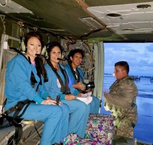 Photo 10 nurses in helicopter